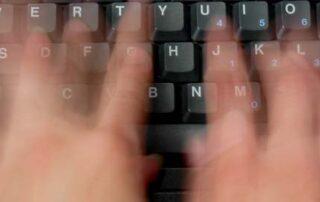 O delete e backspace na escrita dos pós-graduandos...