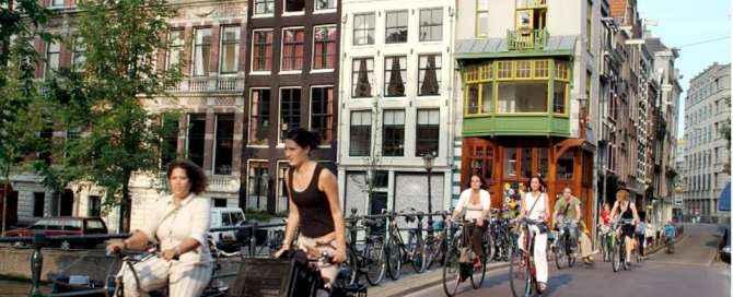 Inscrições para programas e bolsas de estudo em universidades holandesas